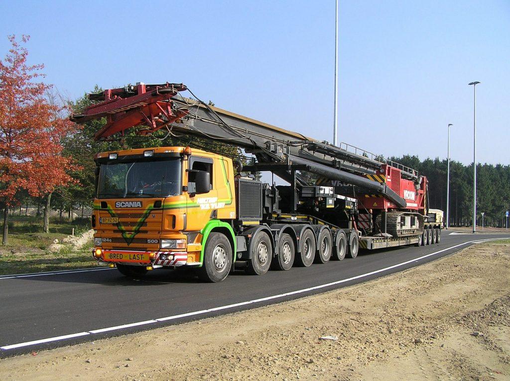 Czy warto kupić do ciężarówki używane części?