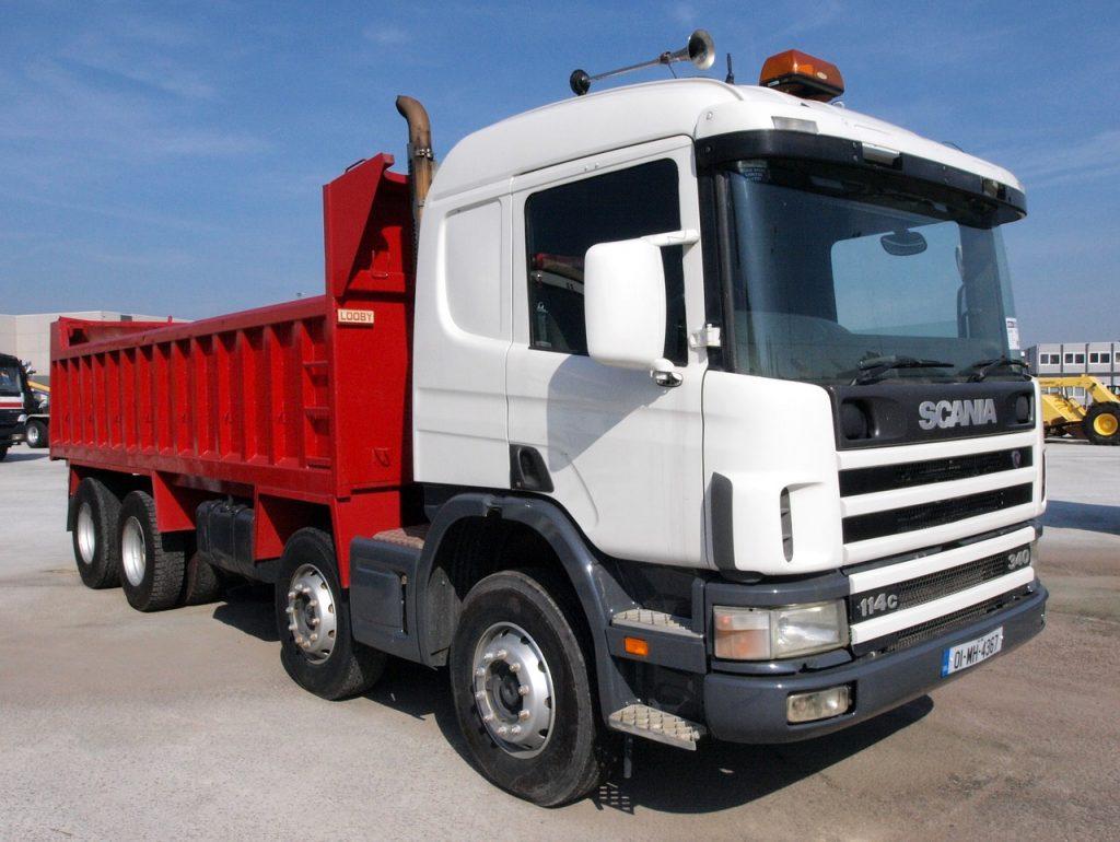 Czy opłaca się kupować używane części do ciężarówek?