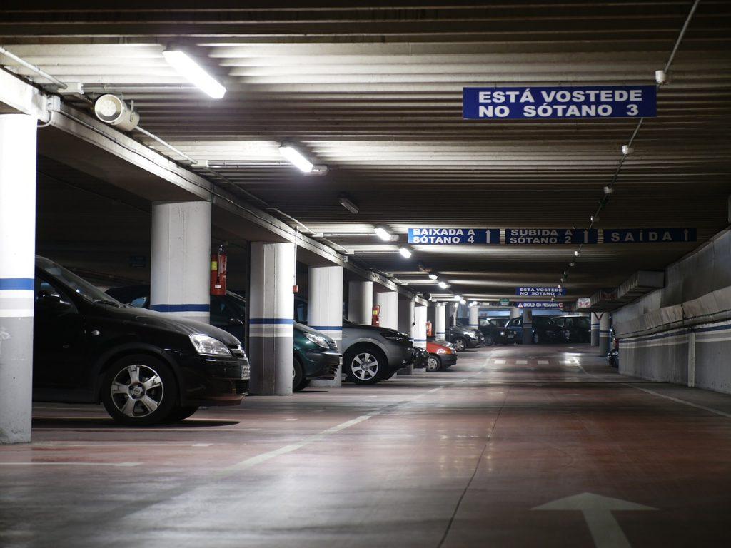 Kilka słów o wypożyczalniach samochodów