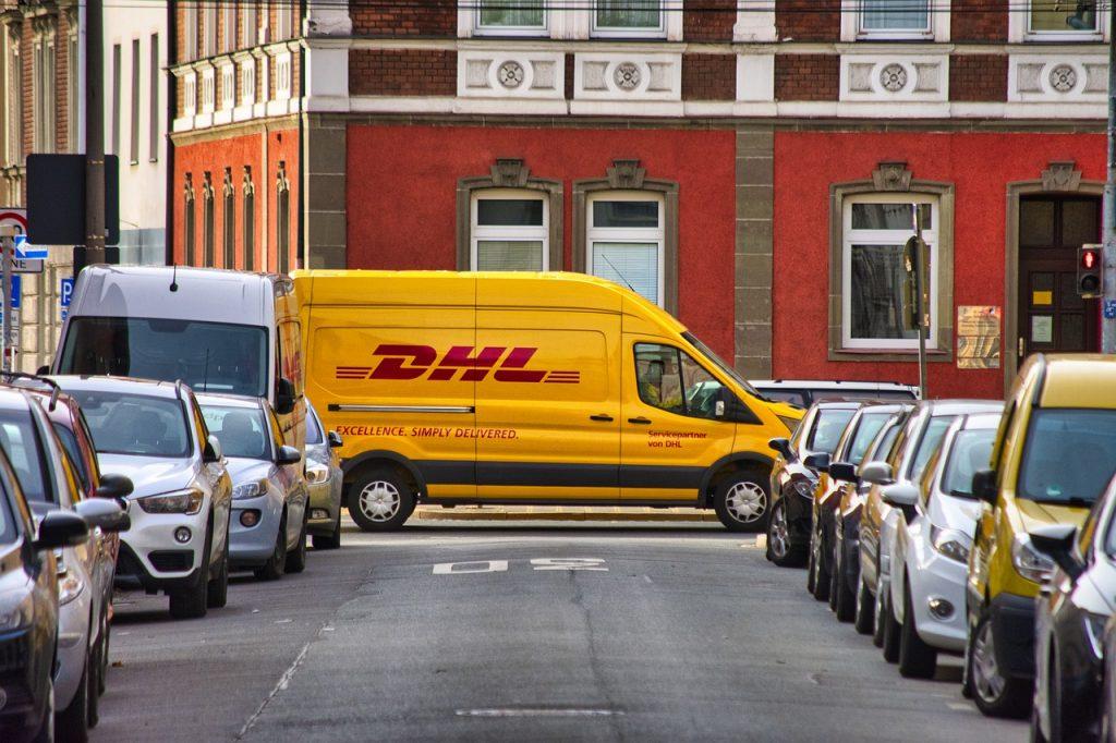Jak wysłać paczkę za granicę - poradnik krok po kroku