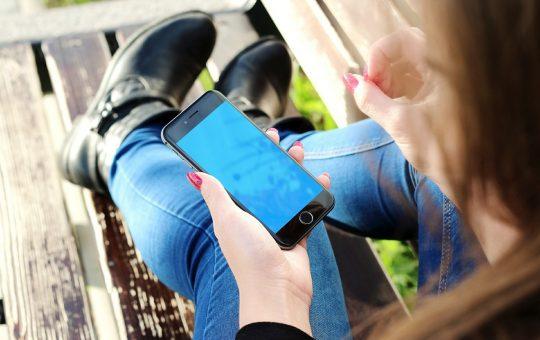 iPhone i wymiana szybki - z czym się wiąże?